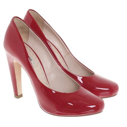 Miu Miu pelle verniciata in rosso pumps