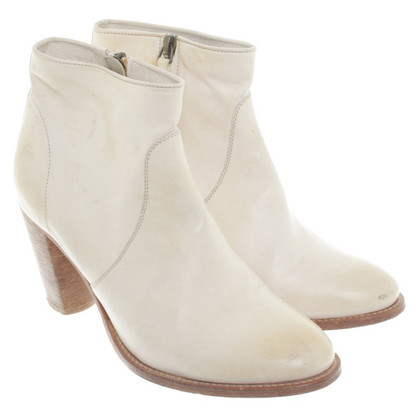 N.d.c. Made by Hand Ankle boots in cream