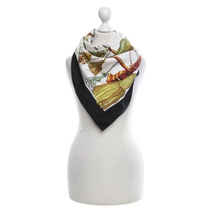 Hermès modelli di sciarpa di seta