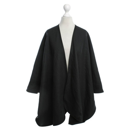 René Lezard Poncho in black