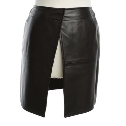 Hermès Leather skirt in black