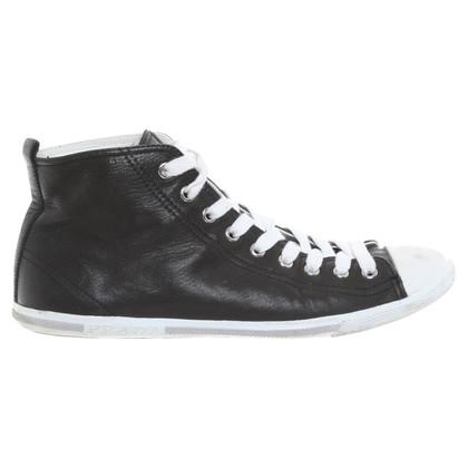 Prada Ledersneakers in Schwarz
