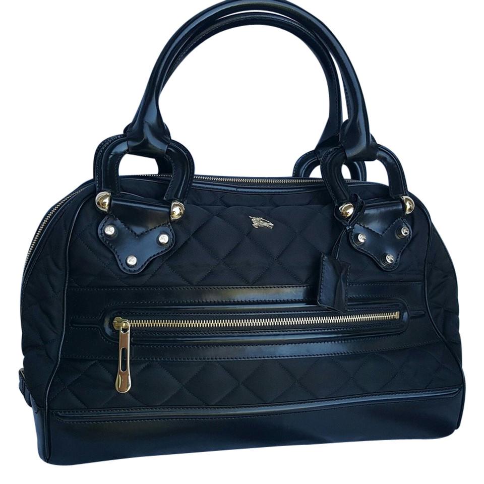 burberry schwarze gesteppte handtasche second hand. Black Bedroom Furniture Sets. Home Design Ideas