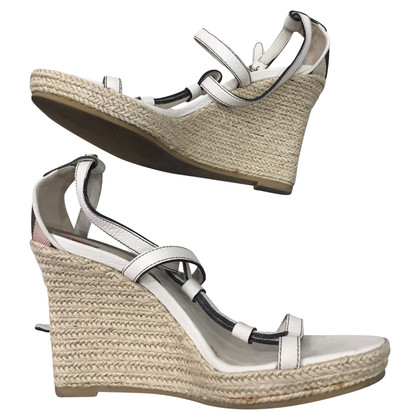 Burberry Wedges in Weiß