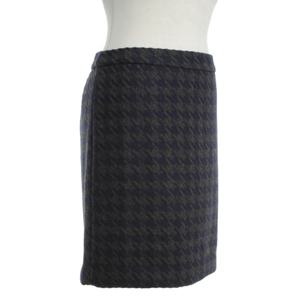 Tommy Hilfiger  skirt with houndstooth pattern