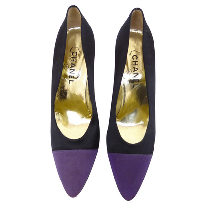 Chanel Silkpumps with violet cap