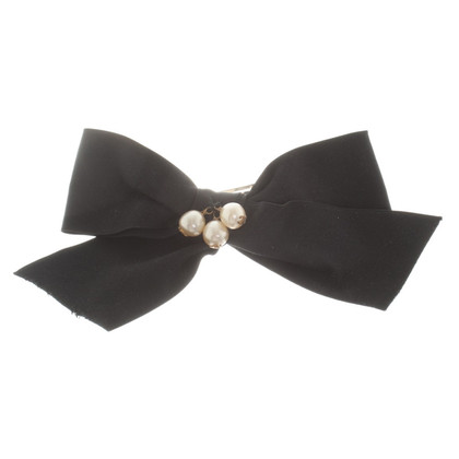 Chanel Hair clip with pearls