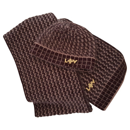 Louis Vuitton Set from Cap & scarf