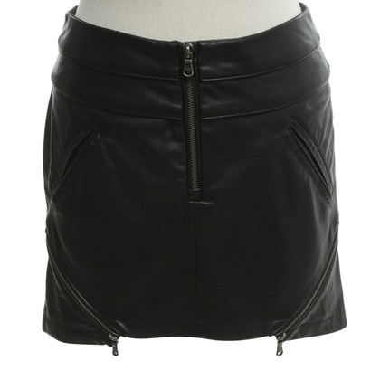 Patrizia Pepe Artificial leather skirt in black
