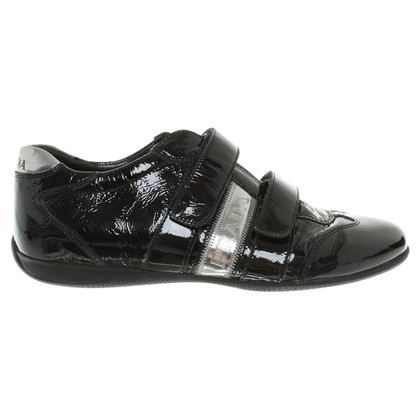 Prada Lackleder-Sneakers in Schwarz