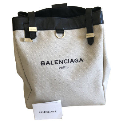 b8ac6a225299 Balenciaga Backpacks Second Hand  Balenciaga Backpacks Online Store ...