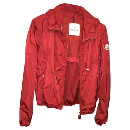 Moncler Jas in rood