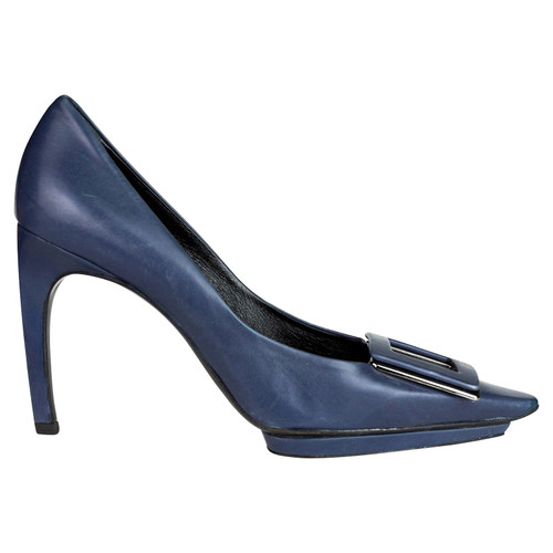 eca42a48e5085 Roger Vivier Pumps/Peeptoes Leather in Blue - Second Hand Roger ...