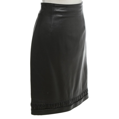 Gianni Versace Leather skirt in black