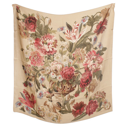 Ralph Lauren Cloth with a floral pattern