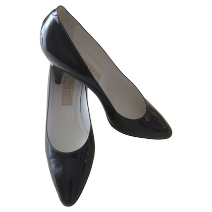 Nina Ricci Patent leather pumps