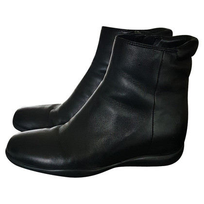 Prada Single boot size 37.5