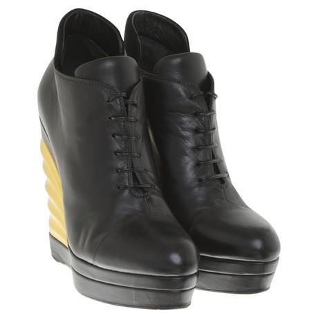 Yves Saint Laurent Stiefeletten aus Leder Schwarz