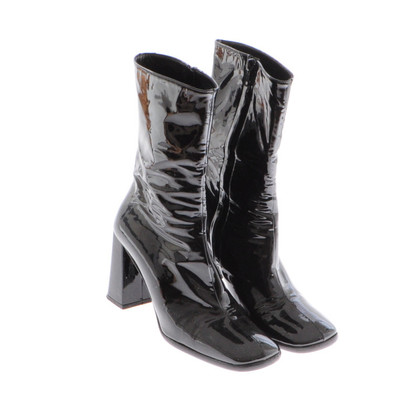 Marc Cain Black patent leather ankle boots