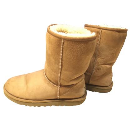 UGG Australia Ladies Classic Short Boots