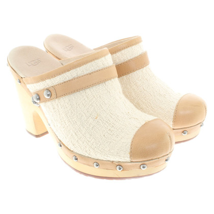Ugg pumps with wooden plateau and heel
