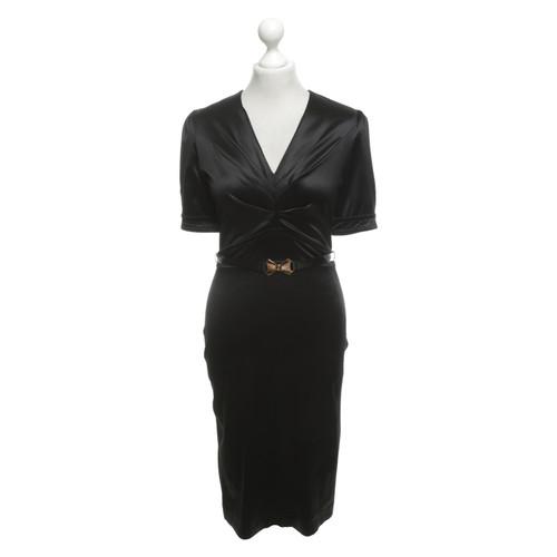 Gucci Kleid aus Satin - Second Hand Gucci Kleid aus Satin buy used ...