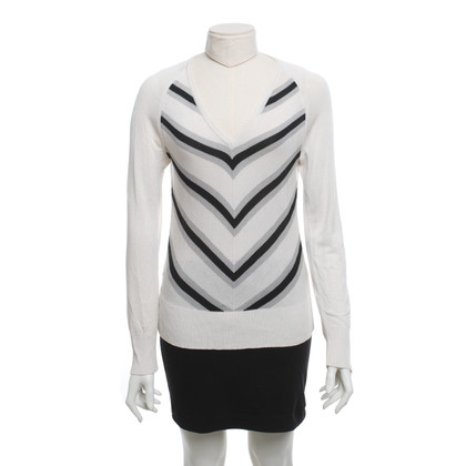 Strenesse top with pattern