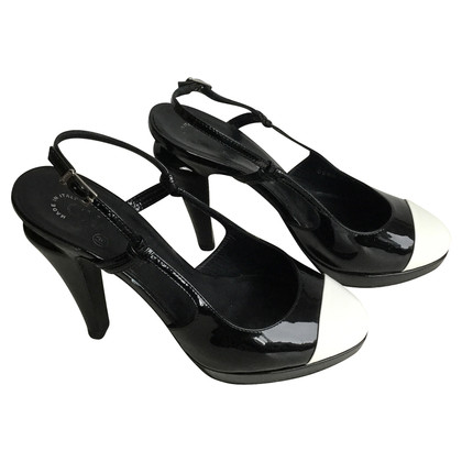 Chanel Pumps black/white
