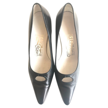 Salvatore Ferragamo pumps chevreau