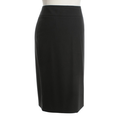 Hugo Boss Pencil skirt in black