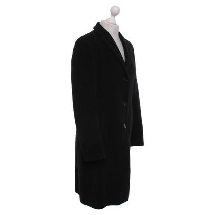 René Lezard Coat in black