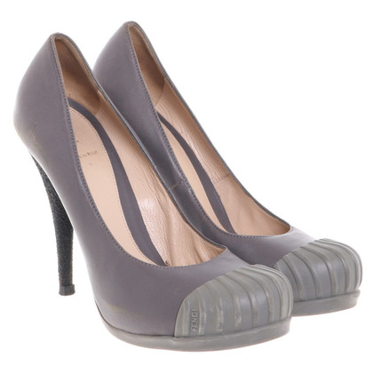 Fendi pumps in Gray