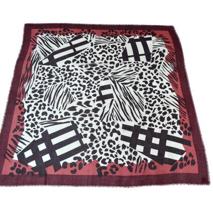 Burberry XXL cashmere towel with silk