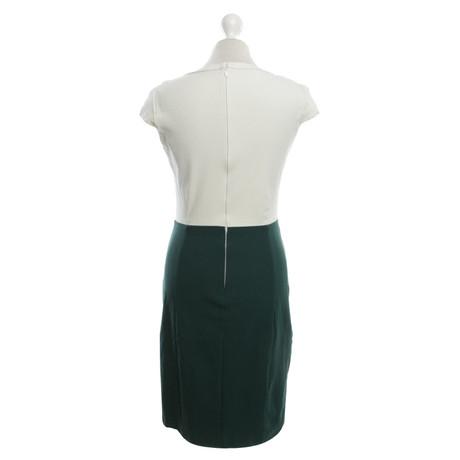 Theory Kleid in Grün/Weiß Grün Manchester Großen Verkauf Verkauf Online OcfFob