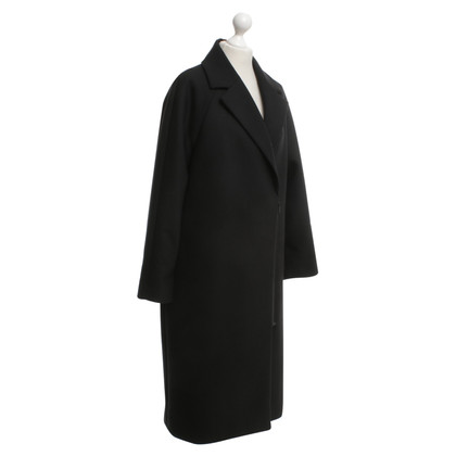 Cos Coat in black