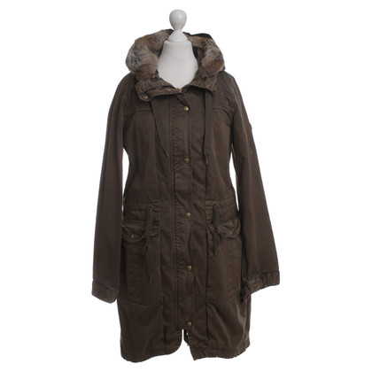 Closed Parka in verde oliva