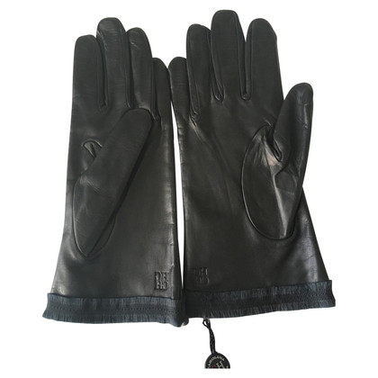 Carolina Herrera CH black gloves