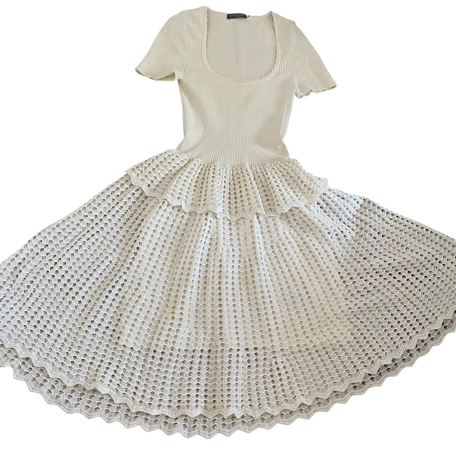 Alexander McQueen Kleid aus Baumwolle in Beige - Second Hand
