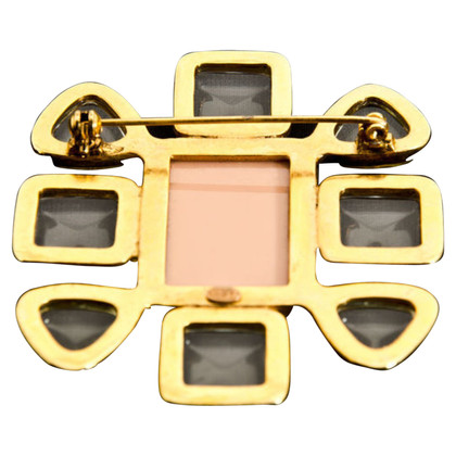 Chanel spilla