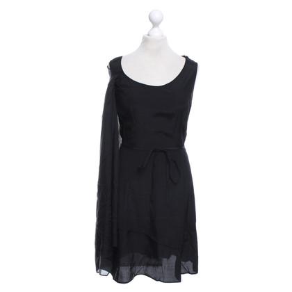 Pollini Kurzes Kleid in Schwarz