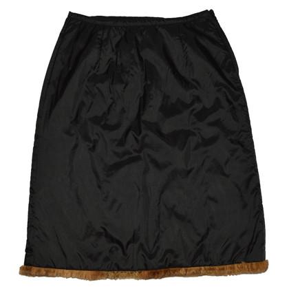 Schumacher skirt with fur trim