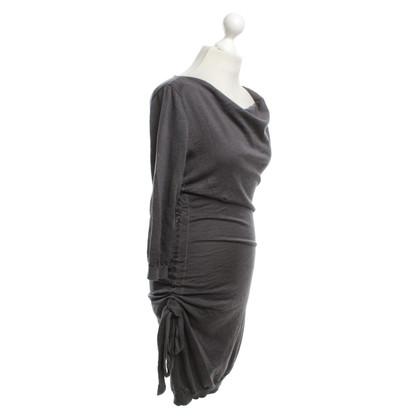Moschino Cheap and Chic Gebreide jurk in grijs