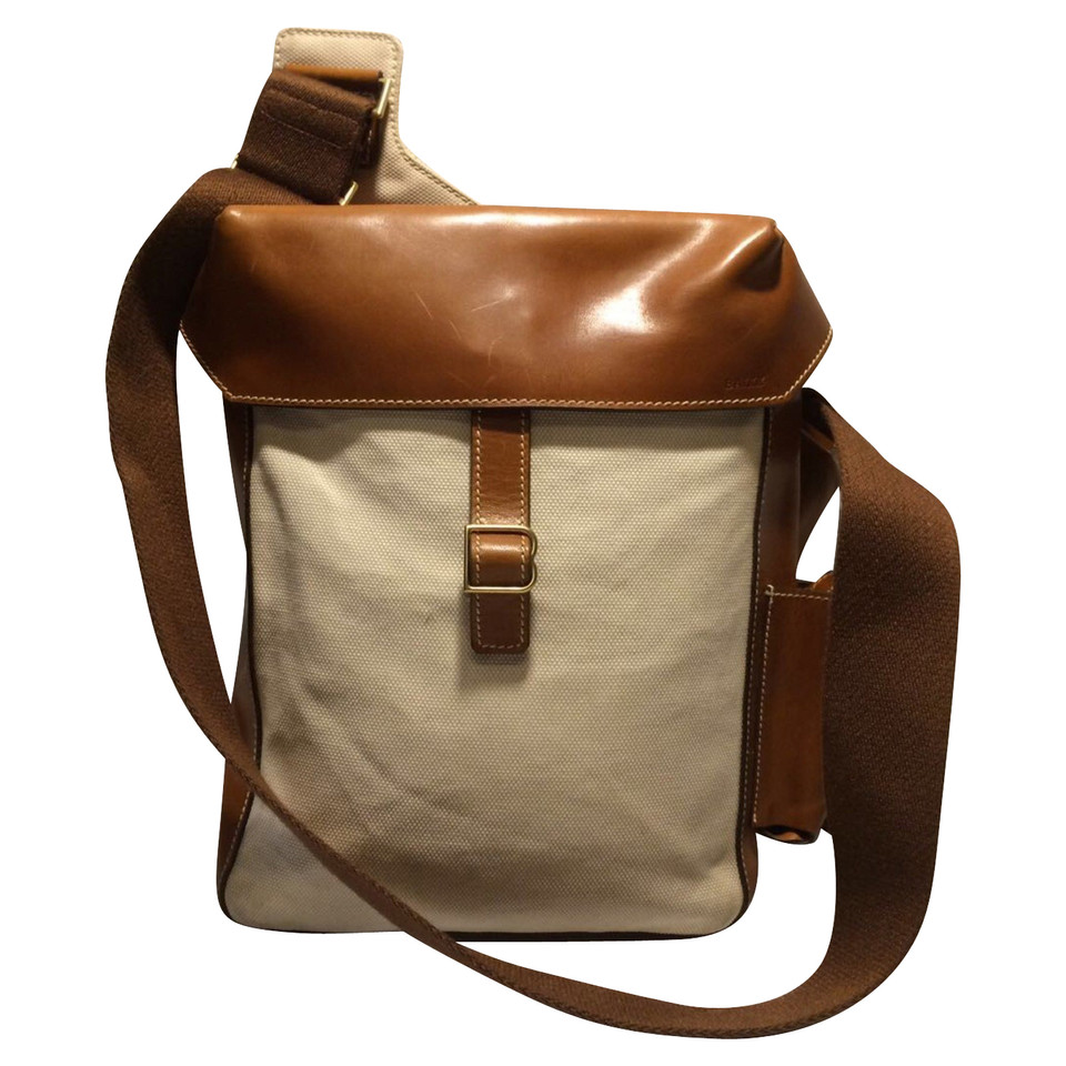 bally messenger bag second hand bally messenger bag. Black Bedroom Furniture Sets. Home Design Ideas