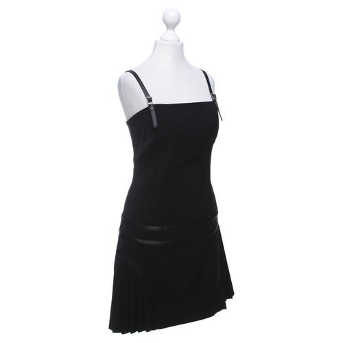 6b2b4ef02cd5 Versace Kleid in Schwarz - Second Hand Versace Kleid in Schwarz ...