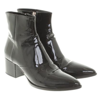 Miu Miu stivali di pelle di brevetto