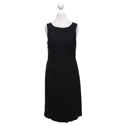Theory Dress in black