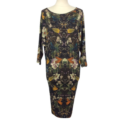 Alexander McQueen Dress with scoop neckline