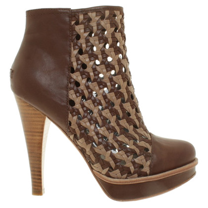 UGG Australia Ankle boots in brown