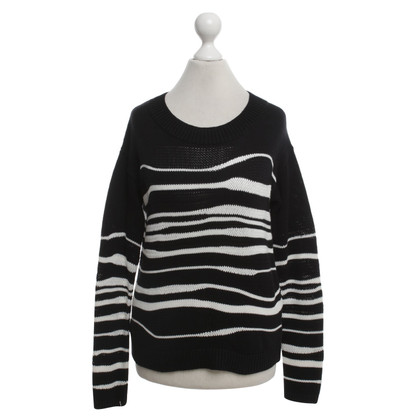 Hugo Boss Sweater with stripes pattern
