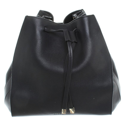 Hugo Boss Bucket Bag aus Leder